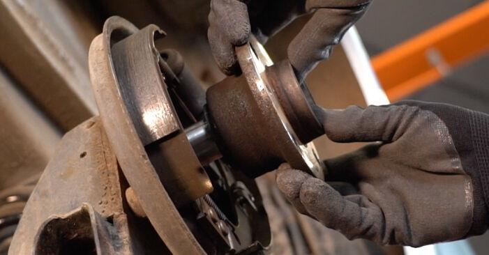 Bytte Hjullager på Fiat Punto 188 2009 1.2 60 alene