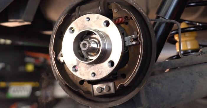 Hvordan skifte Hjullager på FIAT PUNTO (188) 2011 – tips og triks