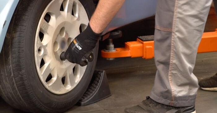 Vanskelighetsgrad: Bytte av Hjullager på Fiat Punto 188 1.4 2005 – last ned illustrert veiledning