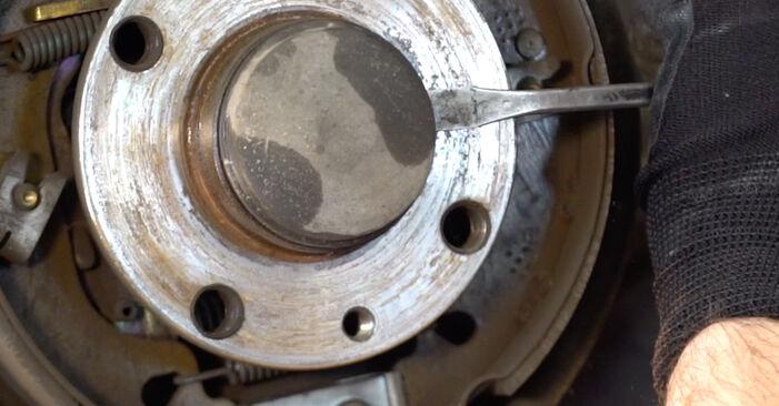 Tidsforbruk: Bytte av Hjullager på Fiat Punto 188 2007 – informativ PDF-veiledning