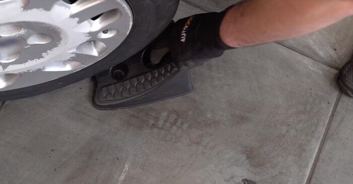 Wechseln Bremsscheiben am FIAT PUNTO (188) 1.9 JTD 80 2002 selber