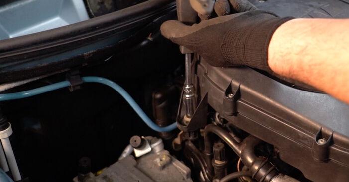PUNTO (188) 1.9 JTD 2010 Filtr powietrza instrukcje warsztatowe samodzielnej wymiany