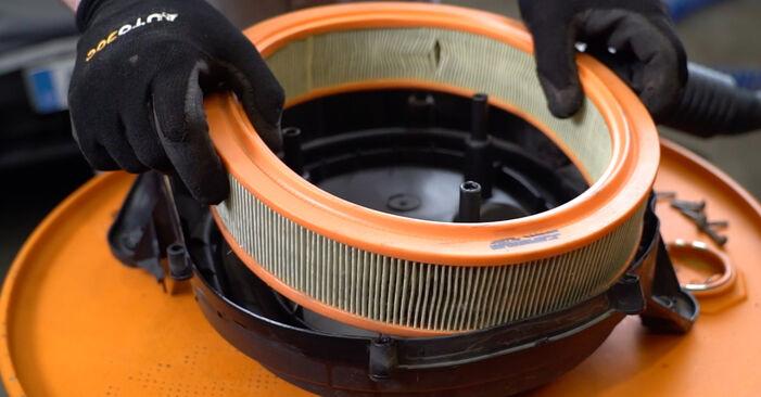 FIAT PUNTO 2006 Filtr powietrza instrukcja wymiany krok po kroku