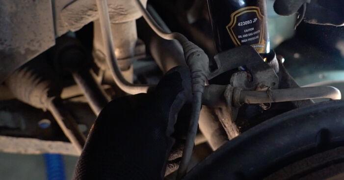 Jak wymienić Zawieszenie w VW Golf V Hatchback (1K1) 2008 - wskazówki i porady
