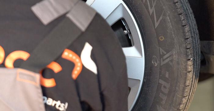 Audi A6 4f2 2006 3.0 TDI quattro Amortizatorius keitimas savarankiškai