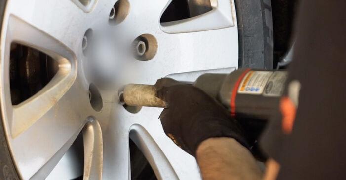 Wie man Koppelstange beim AUDI A6 Limousine (4F2, C6) 2009 auswechselt – Downloaden Sie sich PDF-Tutorials und Videoanleitungen herunter