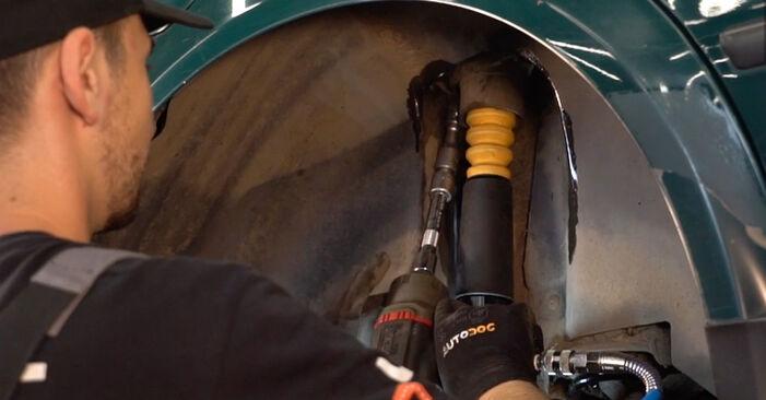 Stoßdämpfer beim VW PASSAT 2.5 TDI 4motion 2001 selber erneuern - DIY-Manual