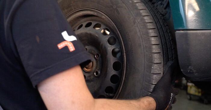 VW PASSAT 2001 Zawieszenie instrukcja wymiany krok po kroku