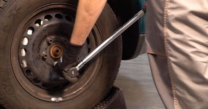 Tausch Tutorial Stoßdämpfer am VW PASSAT Variant (3B6) 2000 wechselt - Tipps und Tricks