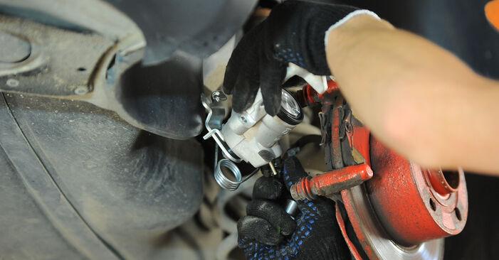 Tausch Tutorial Bremssattel am VW PASSAT Variant (3B6) 2000 wechselt - Tipps und Tricks