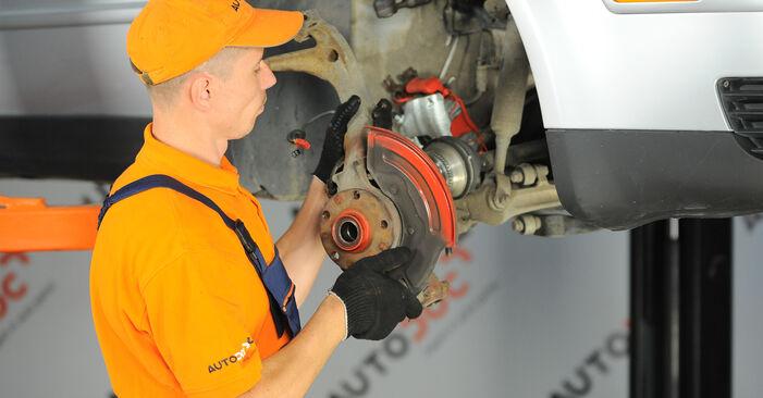 Ar sudėtinga pasidaryti pačiam: Passat 3B6 2.0 TDI 2000 Rato guolis keitimas - atsisiųskite iliustruotą instrukciją