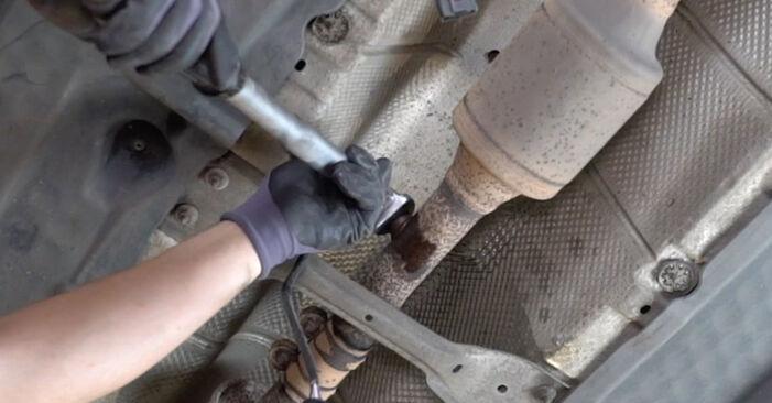 Golf V Hatchback (1K1) 2.0 TDI 16V 2007 Lambda Sensor DIY replacement workshop manual