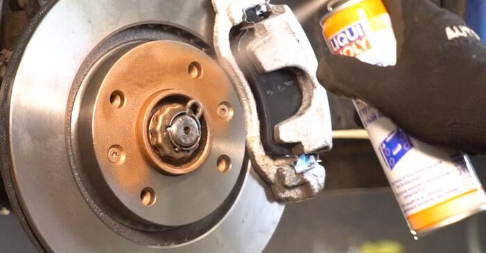 Bytte Støtdemper på Peugeot 206 cc 2d 2001 1.6 16V alene