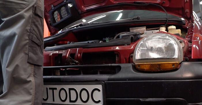 Wie Ölfilter Renault Twingo Mk1 1.2 1993 tauschen - Kostenlose PDF- und Videoanleitungen