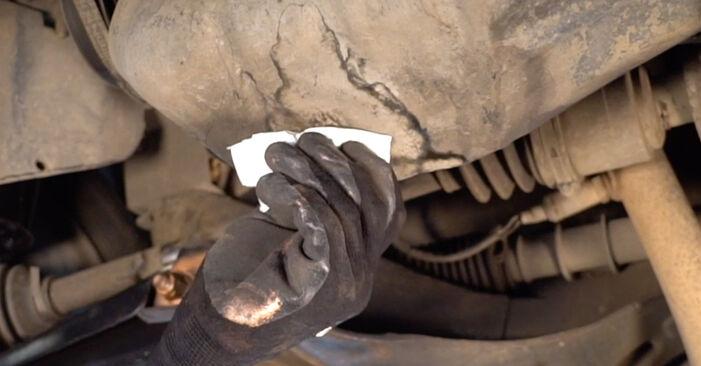 Schritt-für-Schritt-Anleitung zum selbstständigen Wechsel von Renault Twingo Mk1 2006 1.2 Ölfilter