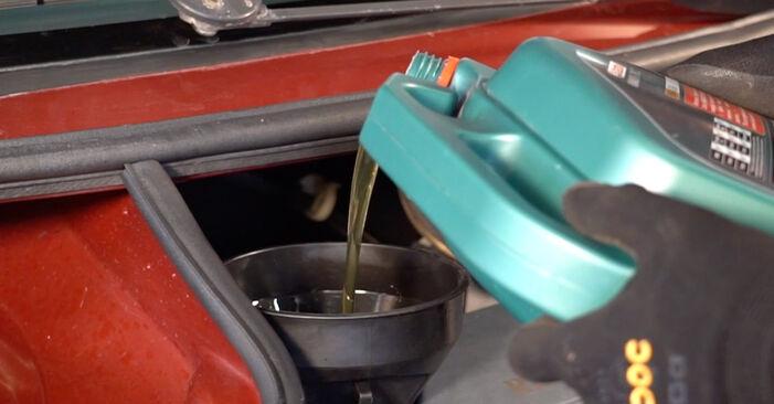 Wechseln Ölfilter am RENAULT TWINGO I (C06_) 1.2 LPG 1996 selber