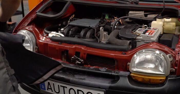 Ölfilter Ihres Renault Twingo Mk1 1.2 2001 selbst Wechsel - Gratis Tutorial