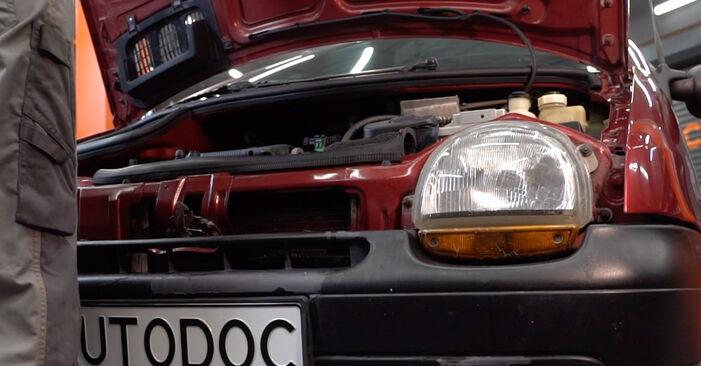 Wie Luftfilter Renault Twingo Mk1 1.2 1993 tauschen - Kostenlose PDF- und Videoanleitungen
