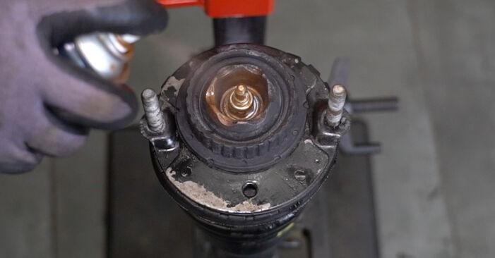 Austauschen Anleitung Stoßdämpfer am Alfa Romeo 147 937 2010 1.9 JTDM 8V (937.AXD1A, 937.AXU1A, 937.BXU1A) selbst