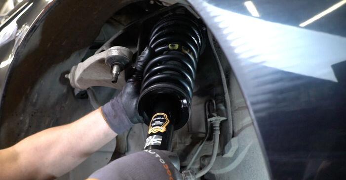 Schritt-für-Schritt-Anleitung zum selbstständigen Wechsel von Alfa Romeo 147 937 2002 1.9 JTDM 16V (937.AXN1B, 937.BXN1B) Stoßdämpfer