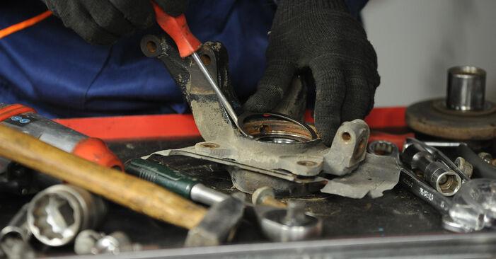 Wechseln Radlager am FIAT PUNTO (188) 1.9 JTD 80 2002 selber