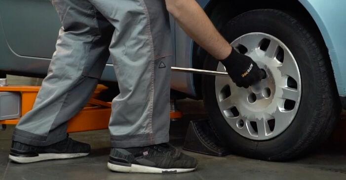 Fiat Punto Mk2 1.2 16V 80 2001 Brake Pads replacement: free workshop manuals