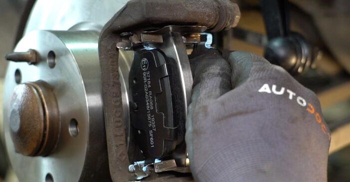 Sostituendo Dischi Freno su Alfa Romeo 147 937 2010 1.9 JTDM 8V (937.AXD1A, 937.AXU1A, 937.BXU1A) da solo