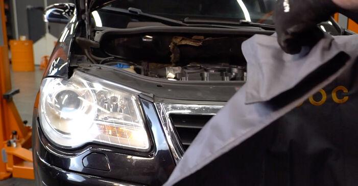 Wechseln Ölfilter am VW TOURAN (1T1, 1T2) 1.4 TSI 2006 selber