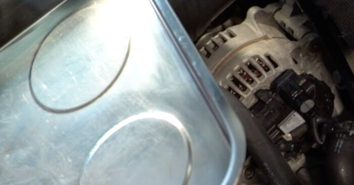 Ölfilter am VW TOURAN (1T1, 1T2) 1.6 2008 wechseln – Laden Sie sich PDF-Handbücher und Videoanleitungen herunter