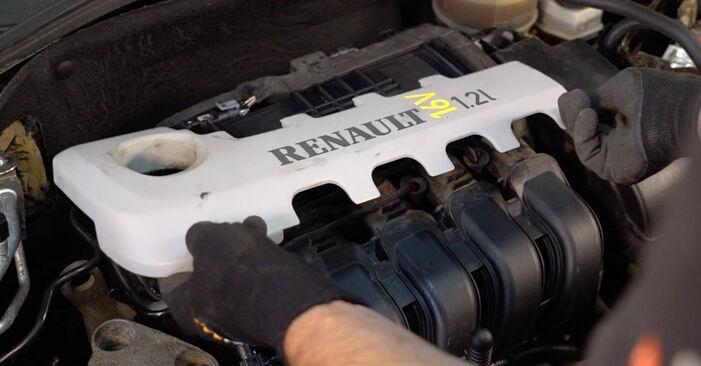 Смяна на Renault Clio 2 1.2 16V 2000 Запалителна свещ: безплатни наръчници за ремонт