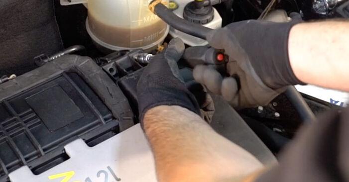 RENAULT CLIO 1.2 Filtre à Air remplacement: guides en ligne et tutoriels vidéo