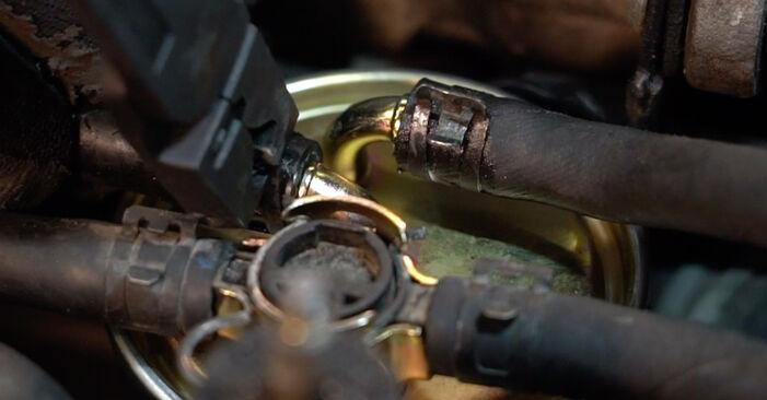 Kraftstofffilter Audi A4 B6 Avant 1.9 TDI quattro 2003 wechseln: Kostenlose Reparaturhandbücher