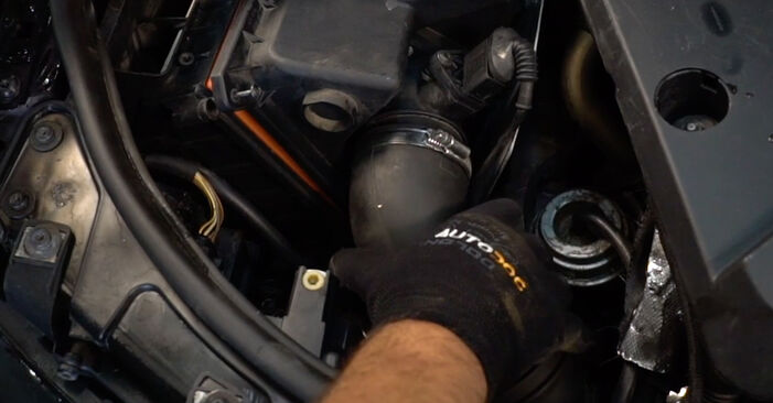 Zweckdienliche Tipps zum Austausch von Luftfilter beim AUDI A4 Avant (8E5, B6) 1.9 TDI quattro 2003