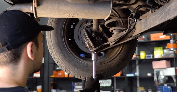 Austauschen Anleitung Federn am Opel Corsa C 2000 1.2 (F08, F68) selbst