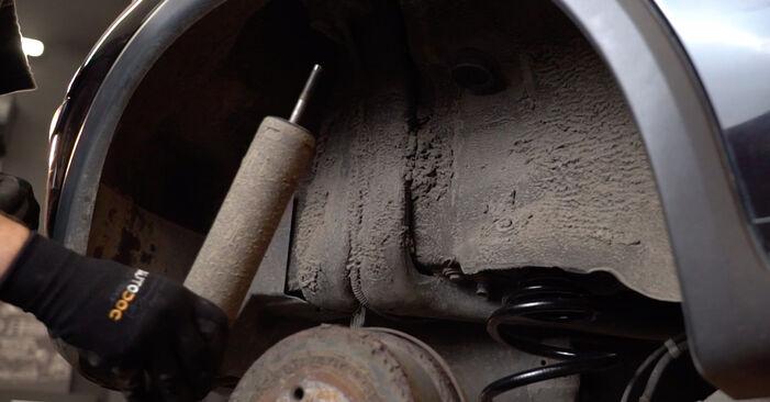 Hoe Schokbrekers OPEL Corsa C Hatchback (X01) 1.2 (F08, F68) 2001 vervangen – stap voor stap leidraden en video-tutorials