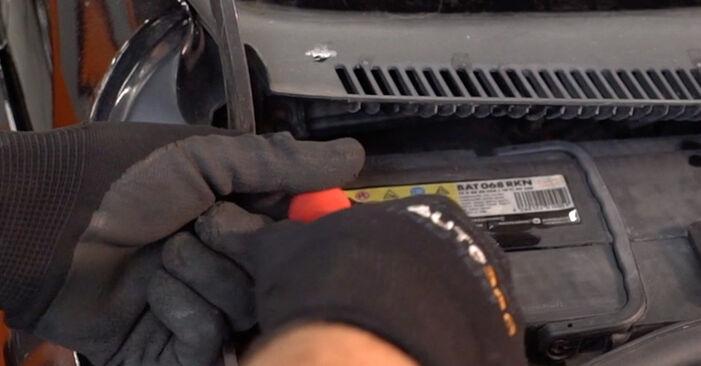 Innenraumfilter Opel Corsa C 1.3 CDTI (F08, F68) 2002 wechseln: Kostenlose Reparaturhandbücher