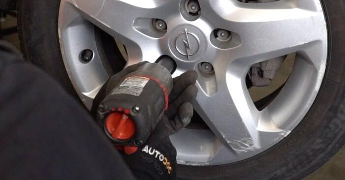 Austauschen Anleitung Stoßdämpfer am Opel Zafira B 2015 1.9 CDTI (M75) selbst