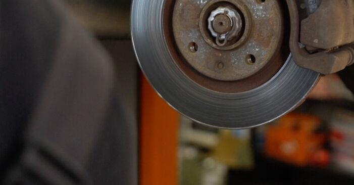 Recommandations étape par étape pour remplacer soi-même Citroën Xsara Picasso 2012 1.6 16V Amortisseurs