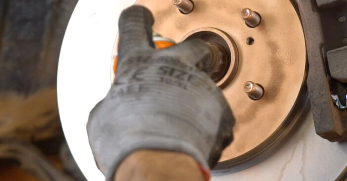 Стъпка по стъпка препоруки за самостоятелна смяна на Lexus RX XU30 2004 3.5 Свързваща щанга