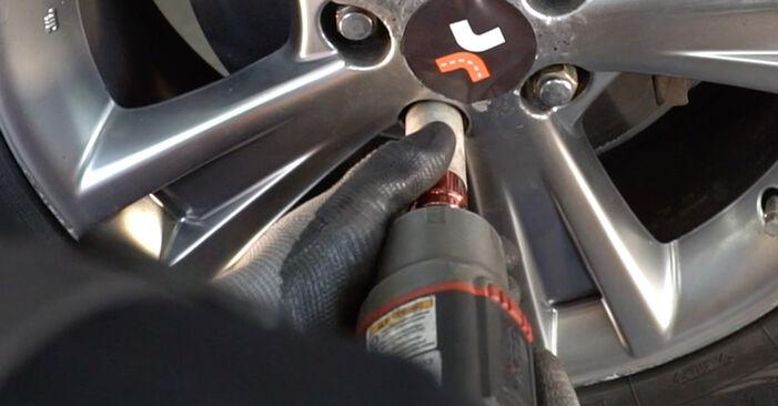 Как да сменим LEXUS RX (MHU3_, GSU3_, MCU3_) 3.3 400h AWD 2004 Свързваща щанга - стъпка по стъпка инструкции и видео ръководства