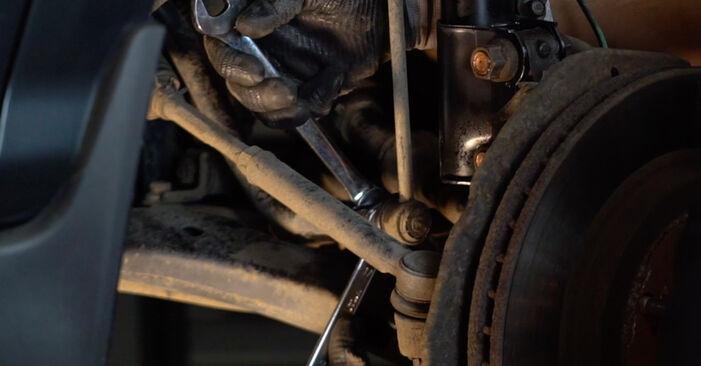 Не е трудно да го направим сами: смяна на Свързваща щанга на Lexus RX XU30 330 (MCU38_) 2003 - свали илюстрирано ръководство