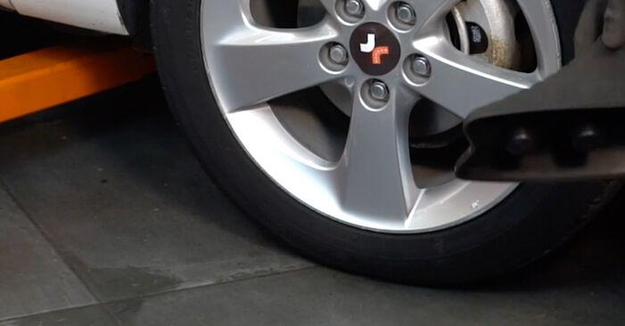 Schritt-für-Schritt-Anleitung zum selbstständigen Wechsel von Toyota Auris e15 2012 1.4 (ZZE150_) Stoßdämpfer