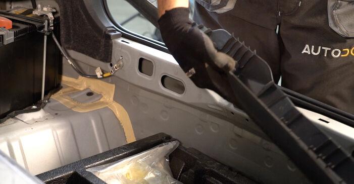 Bytte Støtdemper på Toyota Auris e15 2009 1.4 D-4D (NDE150_) alene