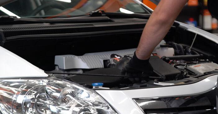 Jak vyměnit Zapalovaci svicka na Toyota Auris e15 2006 - bezplatné PDF a video návody