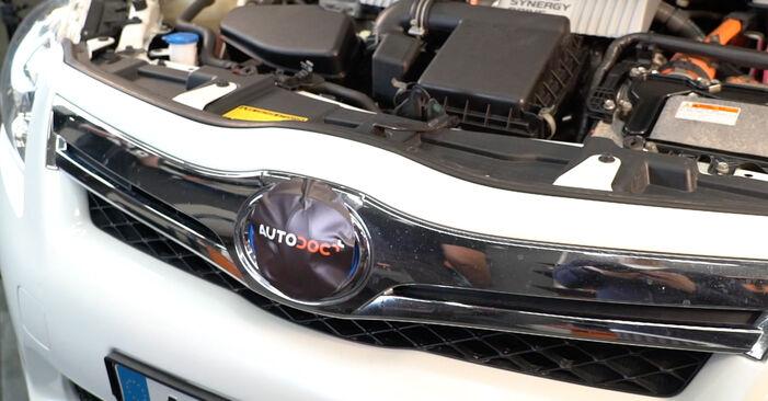 Toyota Auris e15 2.0 D-4D (ADE150_) 2008 Zapalovaci svicka výměna: bezplatné návody z naší dílny