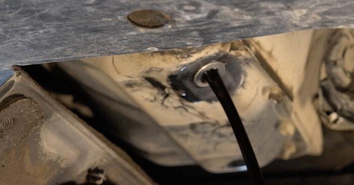 TOYOTA AURIS 2.0 D-4D (ADE150_) Ölfilter ausbauen: Anweisungen und Video-Tutorials online