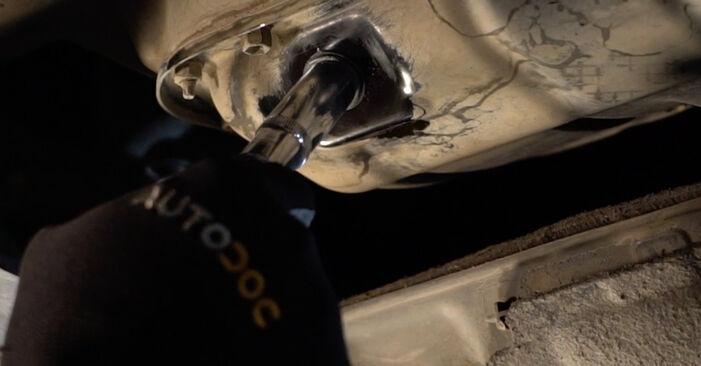 Wie schwer ist es, selbst zu reparieren: Ölfilter Toyota Auris e15 1.33 Dual-VVTi (NRE150_) 2012 Tausch - Downloaden Sie sich illustrierte Anleitungen