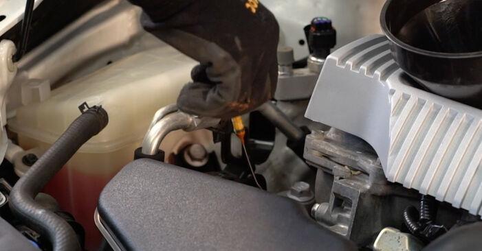 Zweckdienliche Tipps zum Austausch von Ölfilter beim TOYOTA AURIS (NRE15_, ZZE15_, ADE15_, ZRE15_, NDE15_) 1.6 (ZRE151_) 2006