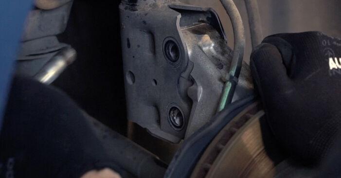 Stoßdämpfer Ihres Toyota Prius 2 1.5 (NHW2_) 2004 selbst Wechsel - Gratis Tutorial