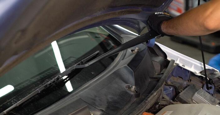 Wechseln Stoßdämpfer am TOYOTA PRIUS Liftback (NHW20_) 1.5 Hybrid (NHW2_) 2006 selber